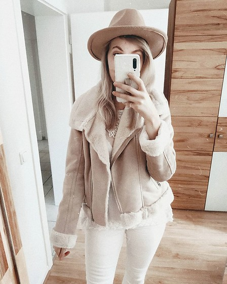 Vanessa ♡ - Orsay, H&M - Beige and white