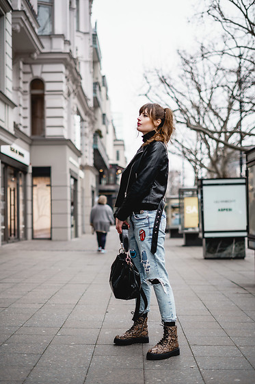 Andrea Funk / andysparkles.de -  - Ripped Denim and Leather Jacket