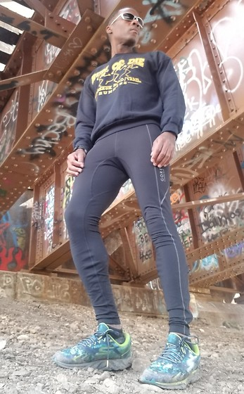 Thomas G - Gildan Run Or Die – Kennekuk Road/Trail Runners Sweatshirt, Gore Running Wear Run Tights, Skechers Gorun Forza - Trail runner