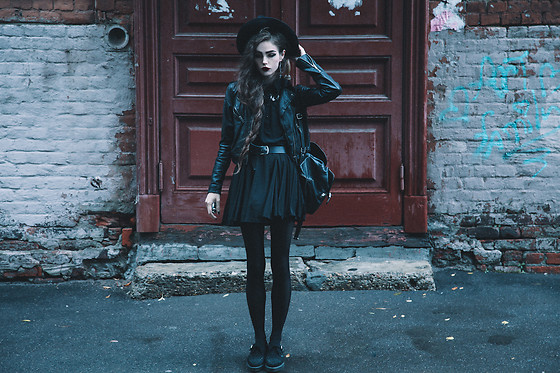Violet Ell - Underground Creepers - --