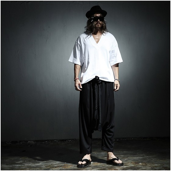 INWON LEE - Byther Band V Neck Box Short Sleeve T Shirt, Byther Baggy Pants - Basic Oriental Look