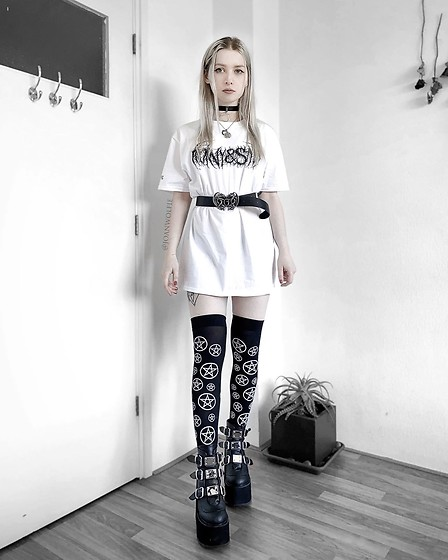 Joan Wolfie - Horny&Sad T Shirt, Alchemy England Belt, Dolls Kill Stockings, Demonia Boots - WHITE & BLACK // IG: @joanwolfie