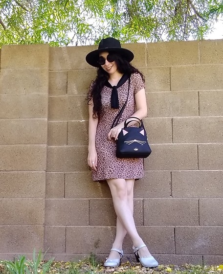 Saguaro Style - Vintage Leopard Sailor Collar Dress, Kate Spade Cat Purse, Sven Clogs Holographic - LEOPARD LOOK