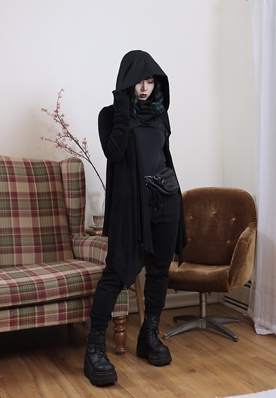 Lovely Blasphemy - Crisiswear Clothing Rogue Cowl Mkii, Demonia Shaker 52 Black Wedge Platform Boots, Gu Black Joggers - I shall be nothing, the wind, the sky