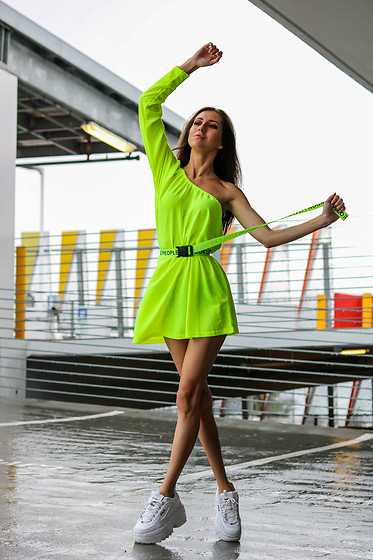Jenny M - Shein Neon Yellow Dress, Fila Sneakers - IG: @thehungarianbrunette // NEON EDIT #7