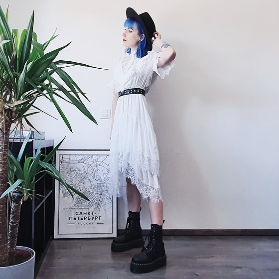 Saskia B. - The Kooples Boho Dress, Dr. Martens Jadon Hi Max - Boho dress