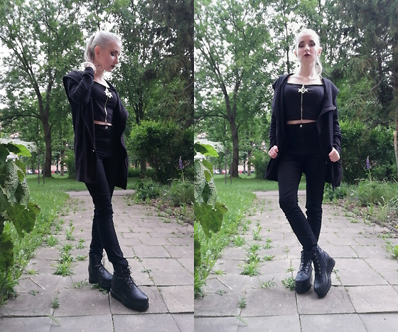 Grim Alex - Aliexpress Black Croptop With A Zipper, Gate Asymmetric Hoodie, H&M Black High Waisted Jeggings, Graceland Black Platform Boots - Fascination Street