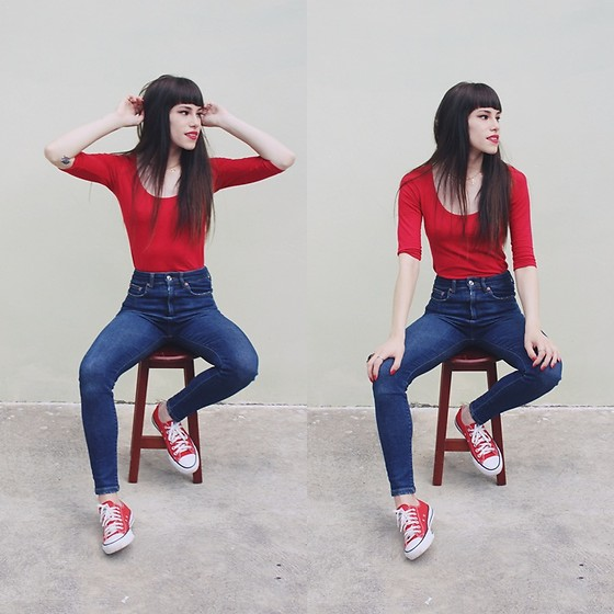 Valéria Przysbeczyski - Zara High Waist Jeans, Converse All Star - Snow White