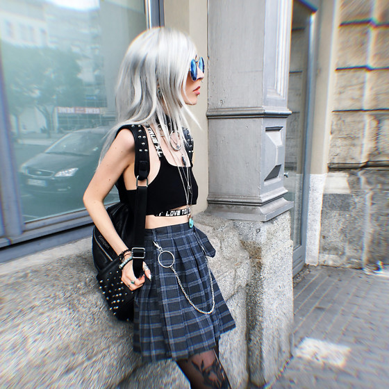 Kimi Peri - Uoobox Plaid Skirt, You Are My Poison Blue Glasses, Kry Studded Backpack, Love Too True Crop Top, Disturbia Choker, Second Hand Turquoise Stone Necklace, H&M Keychain - Waiting for the Bus