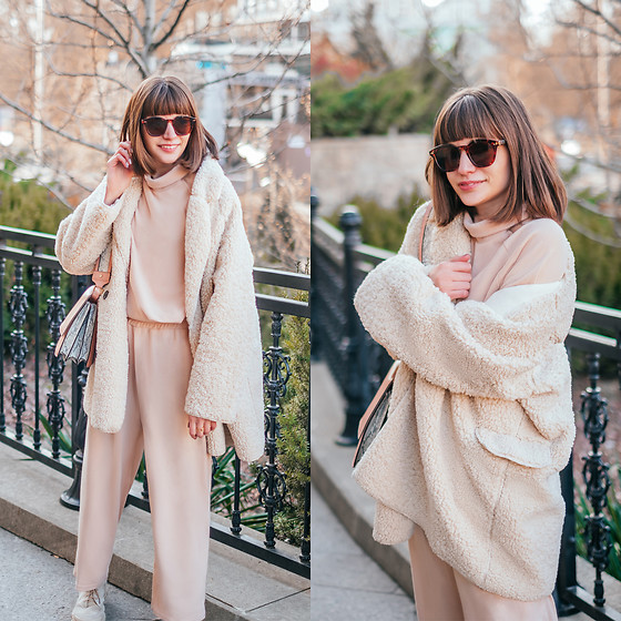 Christina & Karina Vartanovy - Chic Wish Sherpa Coat In Ivory, Noracora Turtleneck Knitted Two Pieces Set, Asos Shoulder Bag With Wide Snake Detail, Rosegal Beige Cargo Boots - Christina // Noracora cozy winter