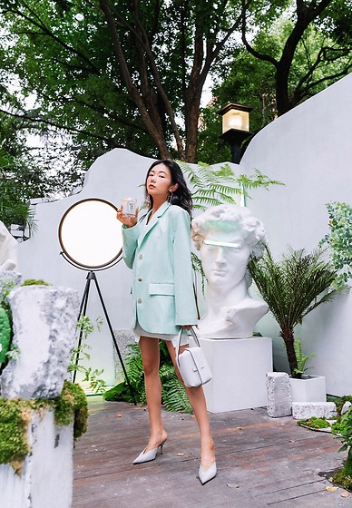 Ava Foo - &Other Stories, Valextra, Balenciaga - The mint color