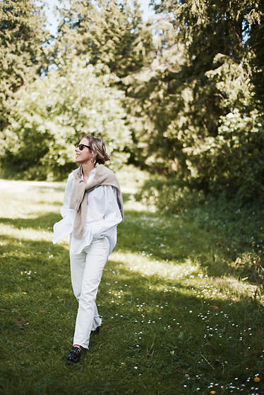 Daniella Robins - Arket Shirt - Crisp Summer Whites & Natures Greens