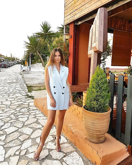 Tamara Bellis - Asos Blazer Dress, Asos Sandals - Hola