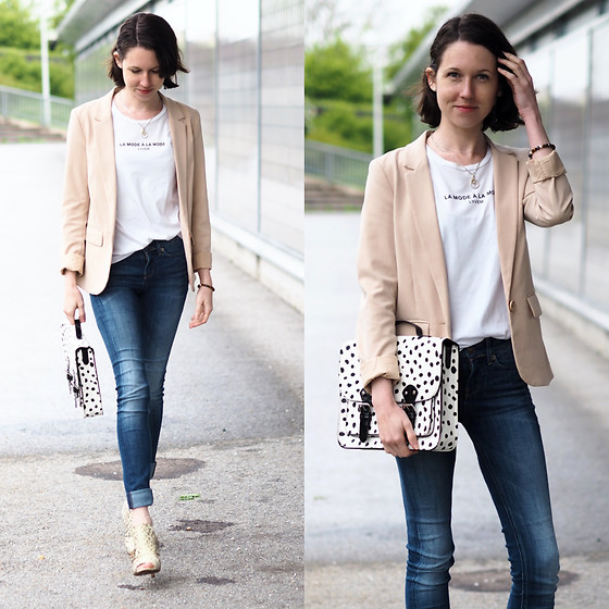 Claire H - H&M Beige Blazer, Vintage, Thomas Sabo Necklace, G Star Raw 3301 Jeans, Lyvem White T Shirt, H&M Bag, Vintage - Dotted office bag