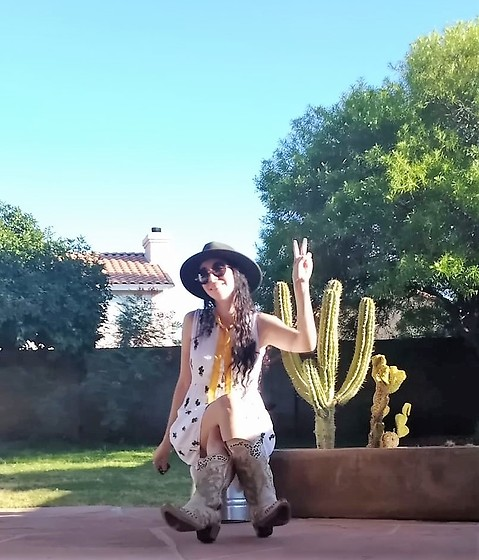 Saguaro Style - Nordstrom Rack Olive Felt Hat, Miss Patina London Cactus Dress, Corral Cactus Cowgirl Boots - 08.05.20