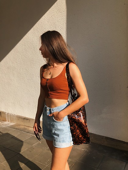 Jeany Roge -  - THE PERFECT MINIMALISTIC SUMMER OUTFIT