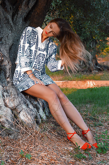 Tamara Bellis - Noracora Dress, Zara Heeled Sandals - Catching Sunset Lights