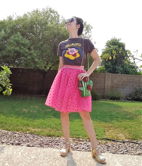 Saguaro Style - Hot Topic Kirby Tee, Betsey Johnson Cactus Bag, Pink Tulle Skirt, Sven Clogs Gold Clog Sandals - 08.26.20