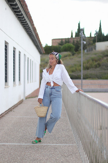 Claudia Villanueva - Stradivarius Shirt, Primark Jeans, Local Market Bag, Quanticlo Sandals - Rêve d´été