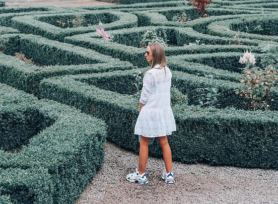 Petite Paulina -  - Navigating the Maze of Life