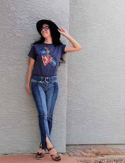 Saguaro Style - Pizza Cat Tee, Blank Nyc Split Patchwork Style Jeans, Sven Clogs Bronze Metallic - 09.18.20