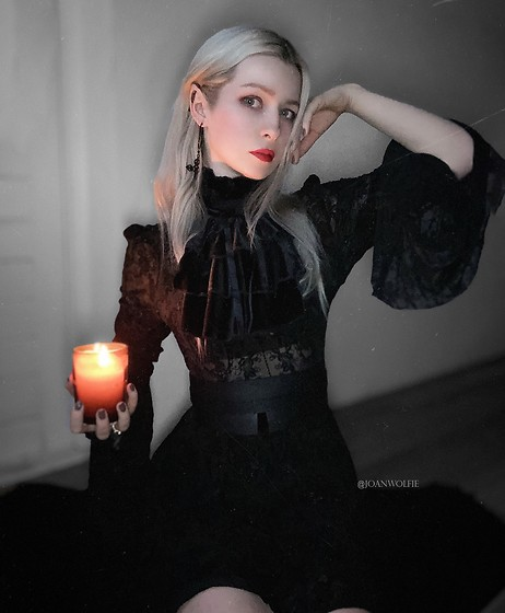 Joan Wolfie - Dark In Closet Dress, Auforia Belt - BEWITCHED // IG: @joanwolfie
