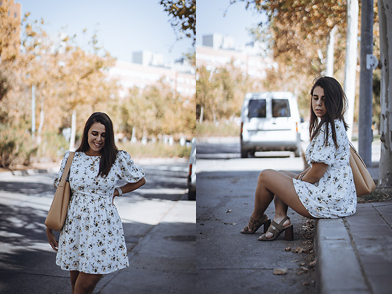 Elsa Gervasi - Shein Dress, Zara Necklace, Zara Bag, Marypaz Sandals - Floral Dress