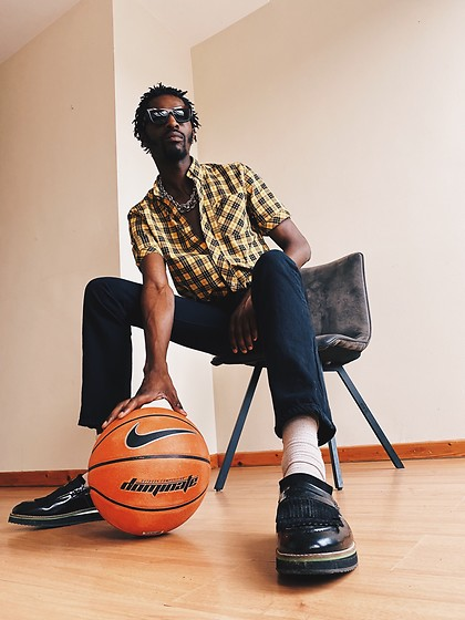 Jon The Gold - Fred Perry Plaid Shirt, Levi's® Black Jeans, Topman Dressed Shoes - BASKETBALL