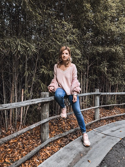 Vlada Kozachyshche - Sinsay Sweater, Forever 21 Lace Top, Zaful Faux Fur Jacket, Zara Jeans, Adidas Sneakers - Sweet and Cozy