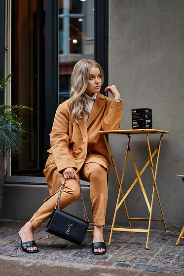 Joicy Muniz - Rabens Saloner Suit, Ysl Bag, Dune London Shoes - Colors of Fall