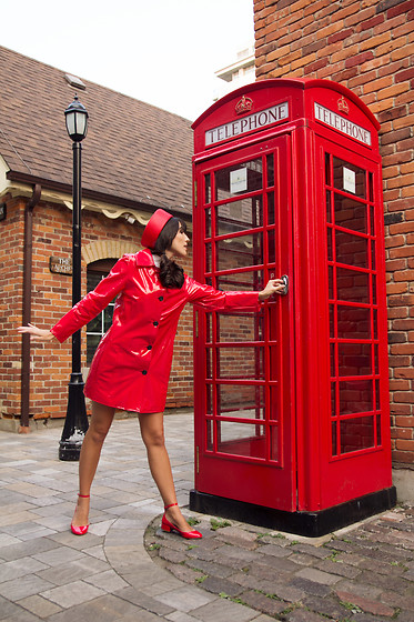 Carolina Pinglo -  - Red Phone Booth