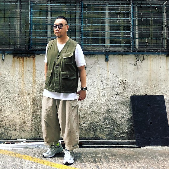 Mannix Lo - Worker Vest, Loose Fit Cropped Pants, New Balance 993 Sneakers - Things end, People change, and Life goes on