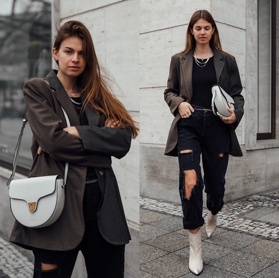 Jacky - Zara Blazer, Zara Basic T Shirt, Zara Ripped Jeans, Coccinelle Bag, Lola Cruz Cowboy Boots - Casual and chic everyday look with blazer and ripped jeans