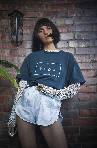 Gina Vadana - Holy Babe Shop Tshirt - Going with the flow