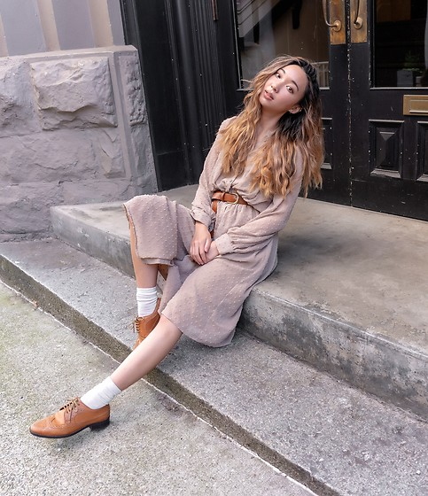 Gabby Chia - Oak And Fort Dress, H&M Tan Belt, Asos Tan Oxfords - On the steps in New West