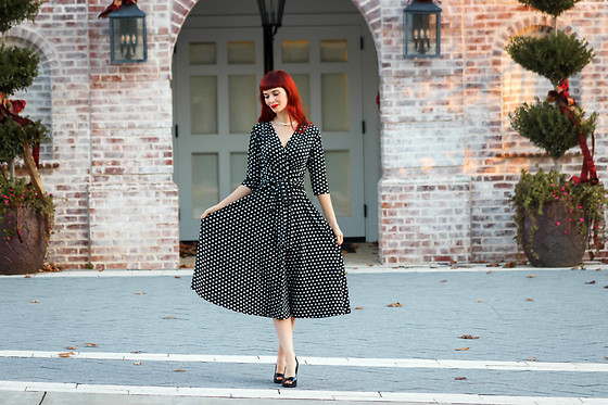 Bleu Avenue - Karina Margaret Dress In Polka Dots - Holidays