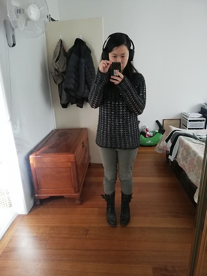 Magness TN - Kenji, Thrifted Grey Knit With Metallic Bits, Mavi, Thrifted Grey Moto Jeans, Zara Lace Up Boots - Casual cyberpunk