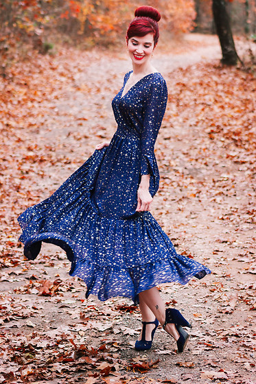 Bleu Avenue - Chic Wish Glory Of Love Star Maxi Dress - A Thousand New Year Rhymes
