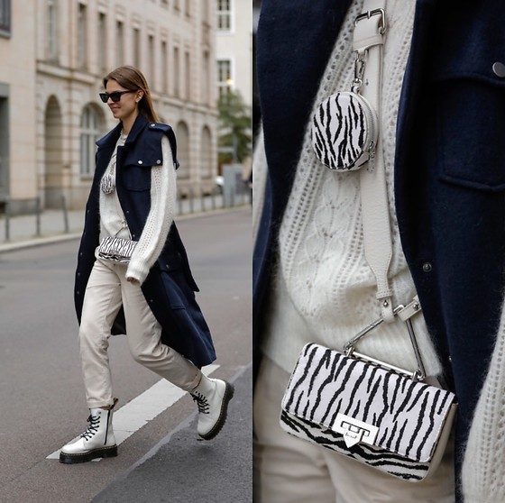 Jacky - Weat Small Bag, Sezane White Wool Pullover, Sezane White Pants, Dr. Martens White Boots, Gestuz Vest Coat, Saint Laurent Cateye Sunglasses - White look with blue wool vest