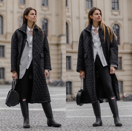 Jacky - Hunter Rubber Boots, Jasmine Alexa Leggings, Birgitte Herskind Long Coat, Birgitte Herskind Oversized Blazer, Liebeskind Berlin Black Bag, Gestuz White Shirt - Puffer coat and rubber boots
