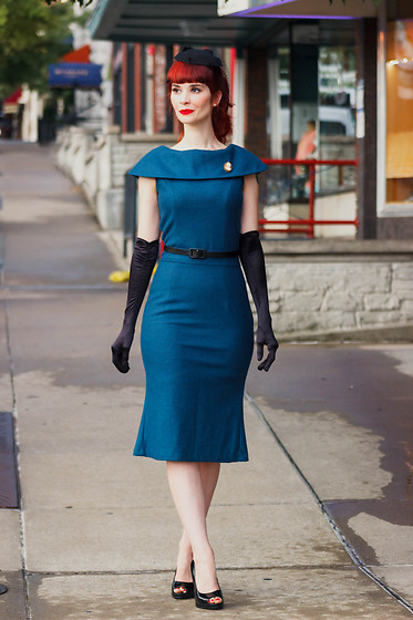 Bleu Avenue -  - Wool Wiggle Dress