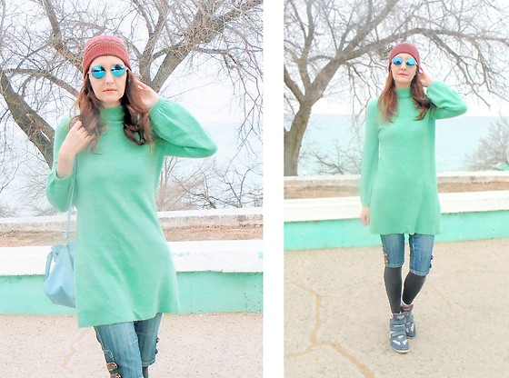 Galina K - Avon Sweater Dress, Promod Glasses, Shein Beanie - Cloudy day.