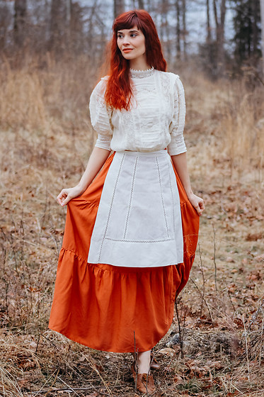 Bleu Avenue - Shein Rust Peasant Skirt, Fp One Roselind Victorian Lace Blouse - Where the Wild Things Are