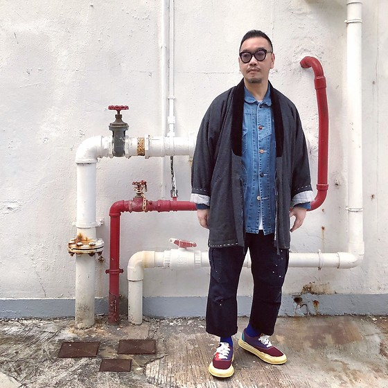 Mannix Lo - Kimono, Patchwork Denim Coverall, Madness Oil Spray Cargo Pants, Miharayasuhiro Sneakers - Be a good person in real life, not on social media