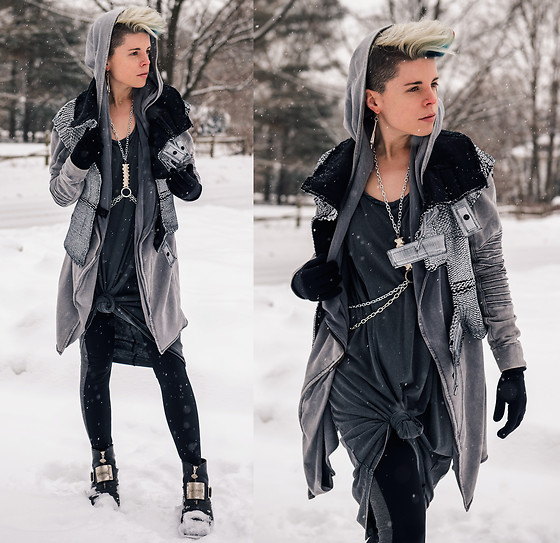 Carolyn W - Demobaza Vest, H&M Moto, H&M Shirt Dress, Demobaza Two Tone, Harley Davidson Black & Silver - Snowpocalypse