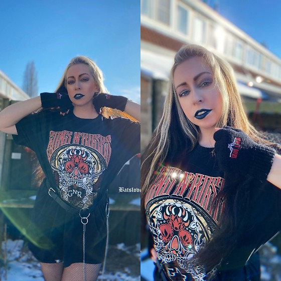 Batslover - Paradiso Clothing Guns'n'roses T Shirt, Paradiso Clothing Guns'n'roses Mittens, Femme Luxe Belt Chain - Welcome to the Jungle