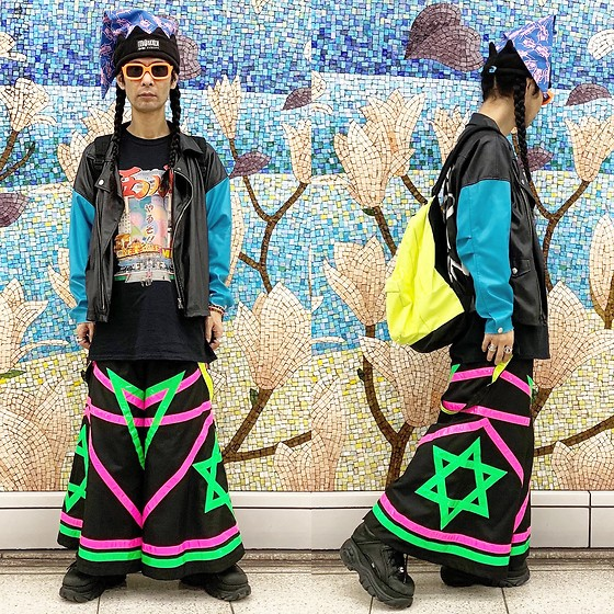 @KiD - Buttstain Cockroach Hat, Dj Doppelgenger Nishinari Tee, Room Eichi Raver Pants, Buffalo London Platform, Typhoon Mart Sunglasses, Obey Neon Bag - JapaneseTrash640