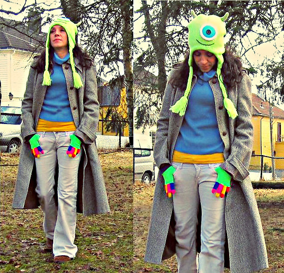 Nikolatina - Mallimari Finland Vinetage Coat, Cubus Turtleneck, Disney Pixar Mike Wazowski Laplander, Happy Gloves Colorful -  Comfort wear is serious