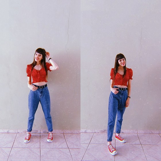 Valéria Przysbeczyski - Shein Cropped, Youcom Mom Jeans, Converse All Star - Happy Sunday