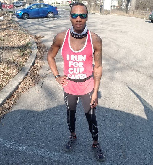 "Thomas G - Center Stage ""I Run For Cupcakes"" Tank Top, Sunglasses, Cookie Print Neck Gaiter, 2xu Compression Tights, Skechers Go Bionic - I Run For Cupcakes"